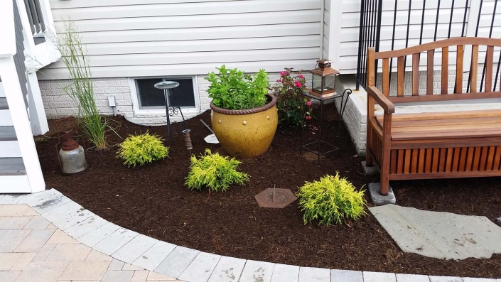 Annapolis Mulching and Landscape Maintenance in Annapolis